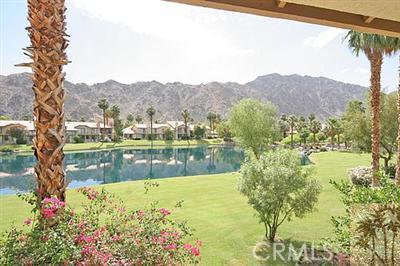 55423 Tanglewood, La Quinta CA: http://media.crmls.org/medias/1c73d90e-ad2c-416f-a25b-30a1ae9cf2e2.jpg