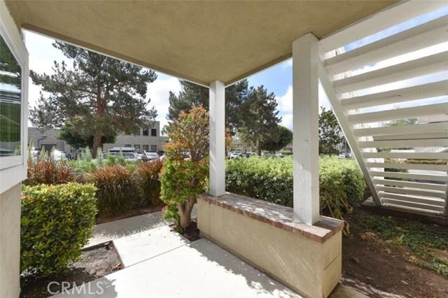 15 Tarocco, Irvine, CA 92618 Photo 3