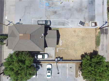 625 E Citrus Avenue, Redlands CA: http://media.crmls.org/medias/1c8af0f4-1216-4cec-aeb9-fc500575ea9a.jpg