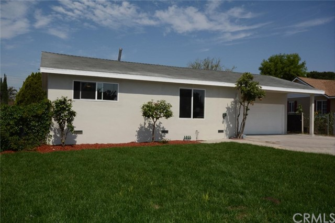 7106 Osbun Road, San Bernardino CA: http://media.crmls.org/medias/1c91adfd-b6cc-44d0-9774-0e6d6d617e03.jpg