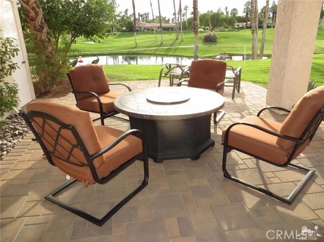 38477 Nasturtium Way, Palm Desert CA: http://media.crmls.org/medias/1c9d9224-c488-4110-8eda-5ac65b6ebc3e.jpg