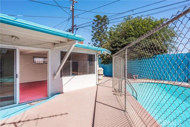 3542 N Los Coyotes Diagonal, Long Beach CA: http://media.crmls.org/medias/1cb9bbd8-aaf2-4ebe-87d6-4e47392164ec.jpg
