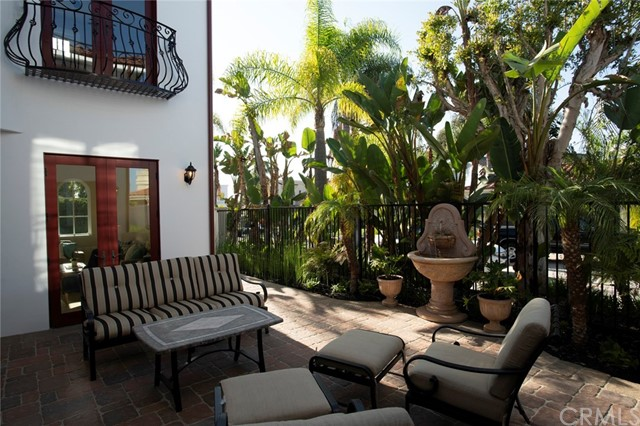 713 Calle Monserrat, San Clemente CA: http://media.crmls.org/medias/1cbb72b5-b9d5-49fb-8878-d32f21070d13.jpg