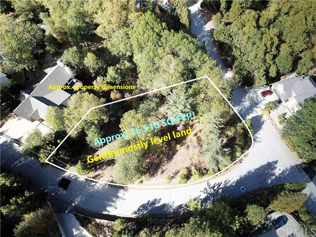 28310 Bern Lane, Lake Arrowhead CA: http://media.crmls.org/medias/1cc478b2-7ad7-4468-9f56-1563d7176bad.jpg