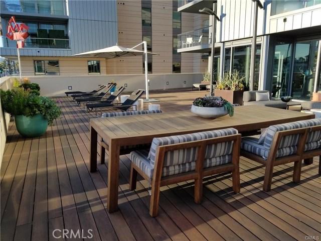 1755 Ocean Avenue, Santa Monica CA: http://media.crmls.org/medias/1cca1f1e-14f4-4531-99e0-0d73312b3873.jpg