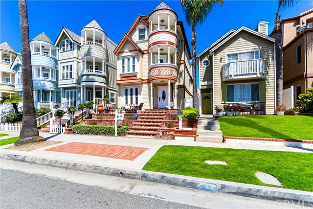 315 21st Street, Huntington Beach CA: http://media.crmls.org/medias/1ccc0a4b-b8cb-47d9-a00b-16af80cfd180.jpg