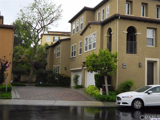 Townhouse for Rent at 27031 Fairway Lane Valencia, California 91381 United States