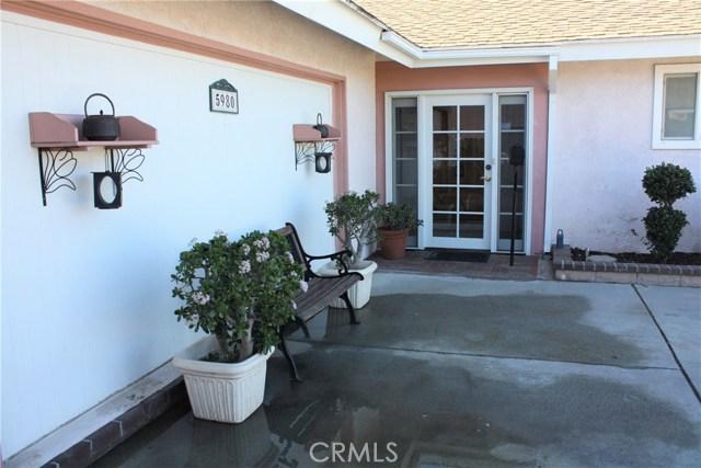 5980 Kitty Hawk Drive, Riverside CA: http://media.crmls.org/medias/1ce7ff15-0d9b-402a-8e23-4b50edef54c3.jpg