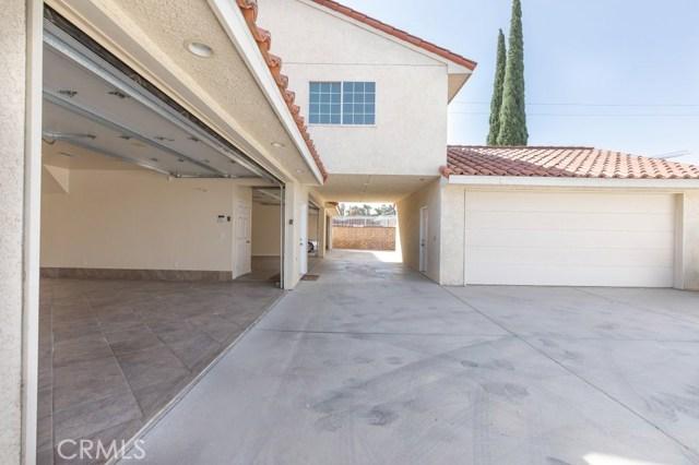 624 Lancer Lane, Corona CA: http://media.crmls.org/medias/1ceb45a3-66ad-44dd-be53-2de1e494605f.jpg