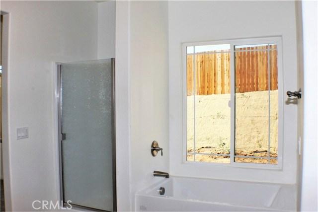 24928 Metric Drive, Moreno Valley CA: http://media.crmls.org/medias/1ceed298-aa4f-47bd-9345-1774c2ffc691.jpg