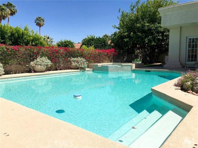 48870 View Drive, Palm Desert CA: http://media.crmls.org/medias/1ceee1dc-6e1a-42b7-8aea-35e92a1a82f7.jpg
