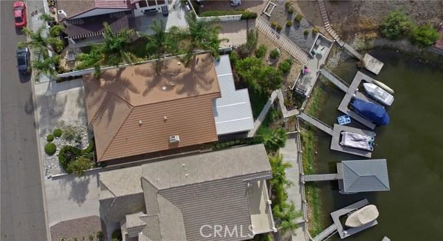 21815 Strawberry Lane, Canyon Lake CA: http://media.crmls.org/medias/1cf6cc97-fd29-4876-8232-301a9df256b5.jpg