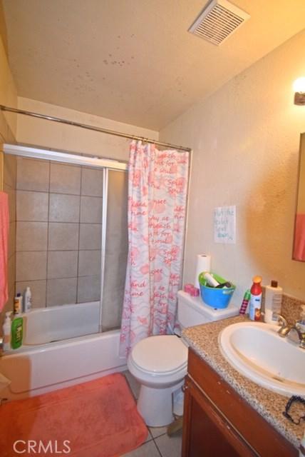 1025 Bishop Street, Santa Ana CA: http://media.crmls.org/medias/1d1be837-c305-47e6-9750-4527853a29dd.jpg