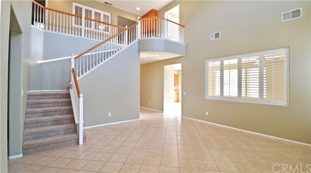8623 Farmhouse Lane, Riverside CA: http://media.crmls.org/medias/1d1f833c-7ace-4e59-a3bb-c8981462525d.jpg