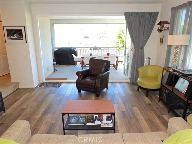 761 Beacon, Irvine CA: http://media.crmls.org/medias/1d2568a7-b583-4626-a56e-c0cf8beb4820.jpg
