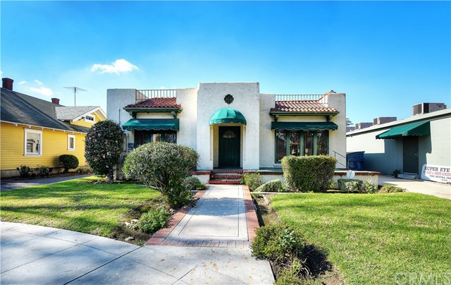 454 S Glassell Street Orange, CA 92866 is listed for sale as MLS Listing OC17021739