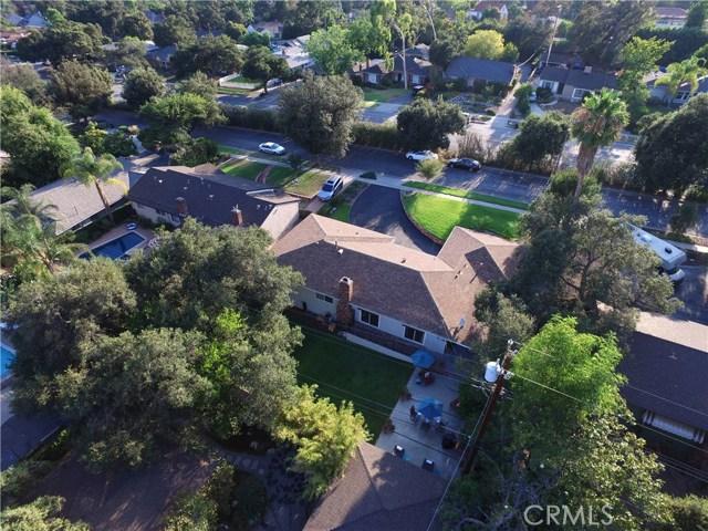 2100 N Altadena Drive, Pasadena CA: http://media.crmls.org/medias/1d3573e7-7dff-4261-8c28-72a1128f4dd1.jpg
