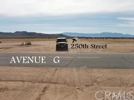 0 250th street E., Lancaster CA: http://media.crmls.org/medias/1d3e58bc-f4b5-4ea8-9e5d-a9a6f60c86dd.jpg