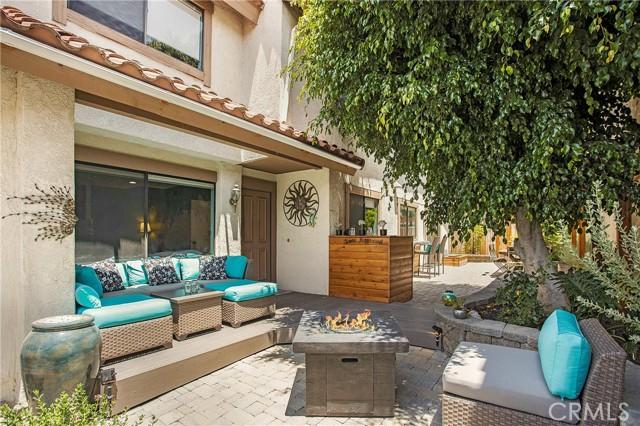 23 Varesa, Irvine CA: http://media.crmls.org/medias/1d47552d-5d00-450b-be85-09691525cd8d.jpg