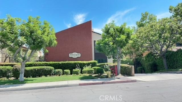 585 W Duarte Road, Arcadia CA: http://media.crmls.org/medias/1d5b7be9-aa93-4676-ba48-87a785655a2f.jpg