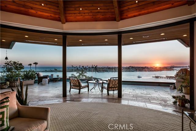 Single Family Home for Sale at 2735 Ocean Boulevard Corona Del Mar, California 92625 United States