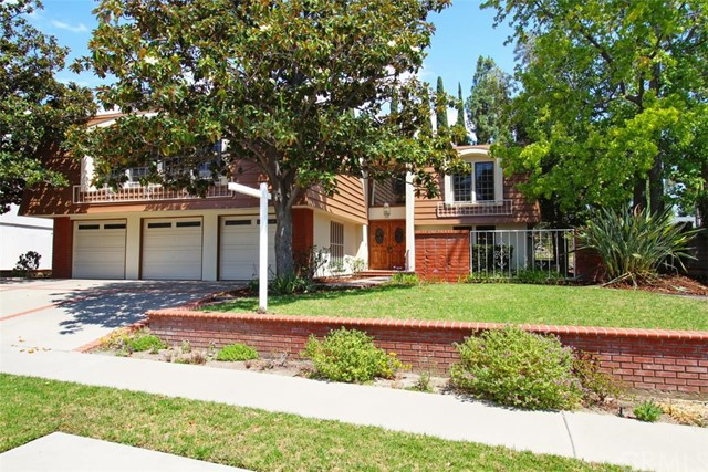 Single Family Home for Sale at 2108 Camino Centroloma St Fullerton, California 92833 United States