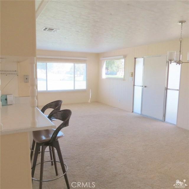 73326 Broadmoor Drive, Thousand Palms CA: http://media.crmls.org/medias/1d7dc2d0-1f7f-47b3-964f-407990766f3f.jpg