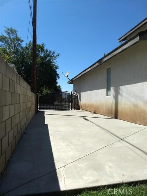 12695 Columbia Avenue, Yucaipa CA: http://media.crmls.org/medias/1d87c6fc-4623-4a46-9ba0-d9d1deb311b3.jpg
