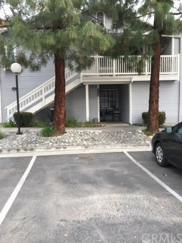 261 Evergreen Court, Azusa, CA 91702