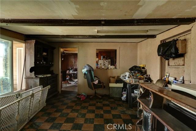 6880 Riverdale Place, Jurupa Valley CA: http://media.crmls.org/medias/1d8924cd-e6ec-4604-bff0-4fe48951cbe0.jpg