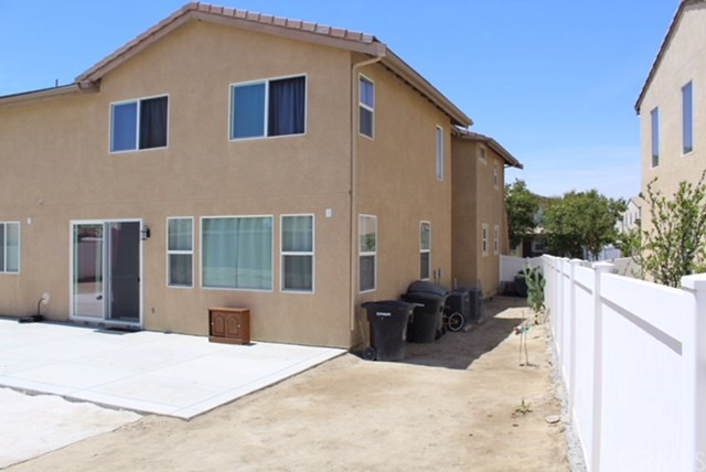 1130 Laurelhurst Heights, San Jacinto CA: http://media.crmls.org/medias/1d8dfcbd-7054-4754-a4f5-7fe80a767dbb.jpg