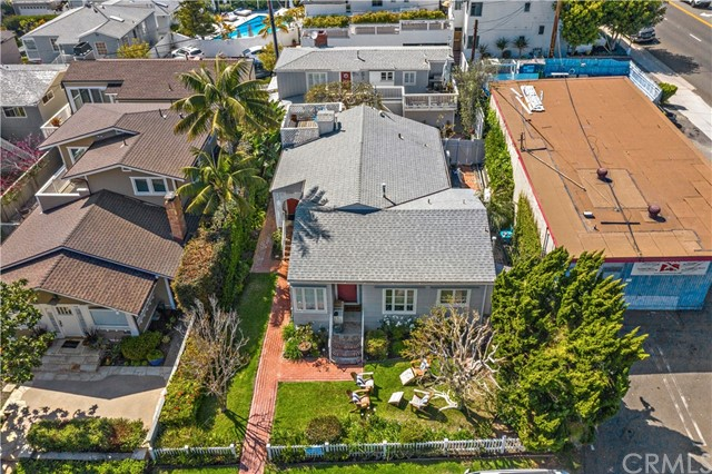 Detail Gallery Image 1 of 22 For 172 Wave St, Laguna Beach,  CA 92651 - – Beds | – Baths