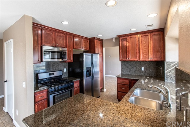 24365 Peppermill Drive, Moreno Valley CA: http://media.crmls.org/medias/1dc4a756-9365-4a4a-bc9d-5172a1f58d3b.jpg