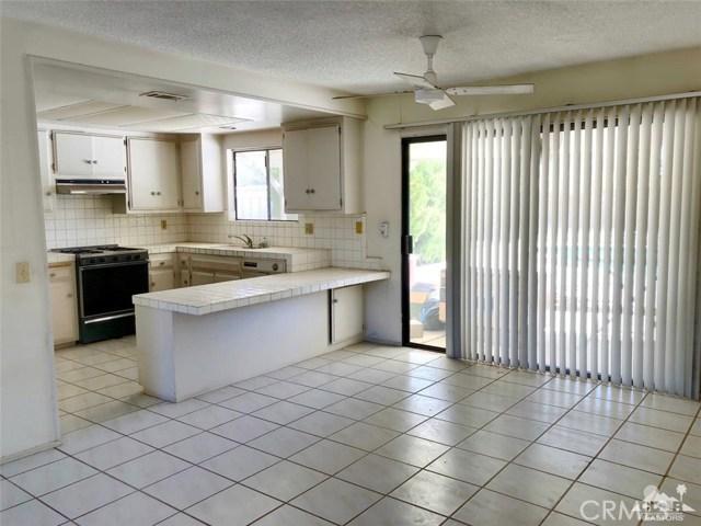37010 Palmdale Road, Rancho Mirage CA: http://media.crmls.org/medias/1dc53863-1b52-4c83-8885-be302ecab7af.jpg