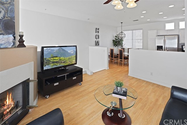 Detail Gallery Image 1 of 1 For 88 Santa Barbara Ct, Lake Forest,  CA 92610 - 2 Beds | 2 Baths