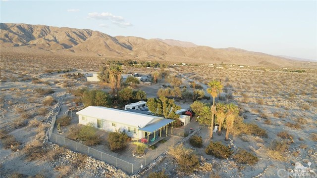 26201 Hopper Road, Desert Hot Springs CA: http://media.crmls.org/medias/1dca9de9-7a6d-452b-b54d-5cf206d2541d.jpg