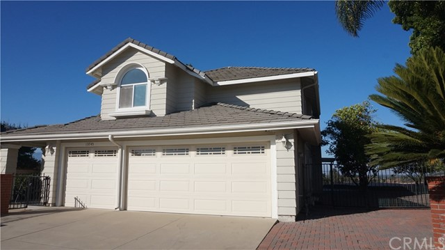 13745 Moonshadow Place, Chino Hills CA: http://media.crmls.org/medias/1dcb9e15-9477-4fc5-9ed5-876ecd63faf8.jpg