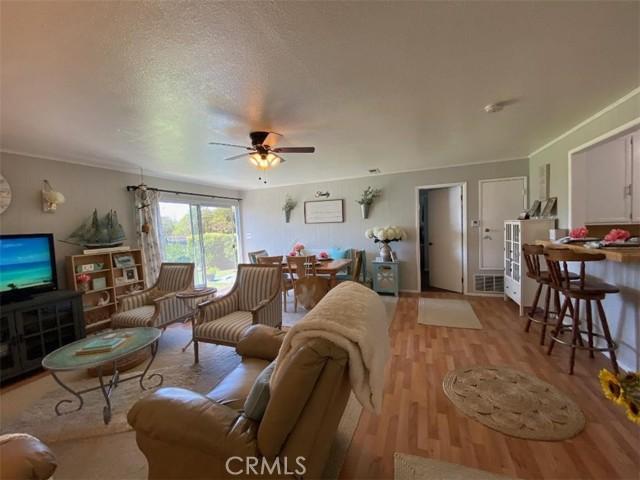 10660 Solo Street, Norwalk CA: http://media.crmls.org/medias/1dcc6952-f5ba-4980-bef6-190c85cded47.jpg