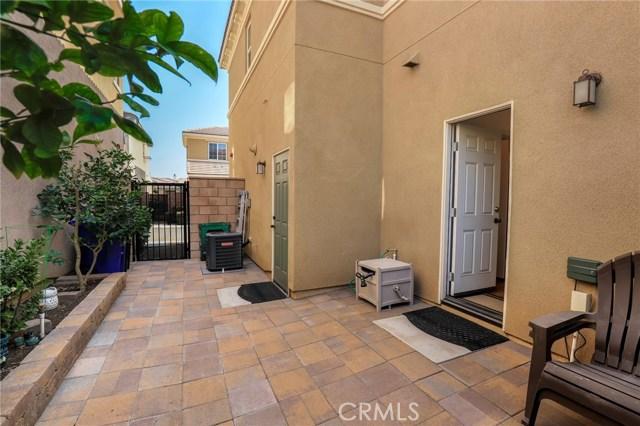 9363 Bistro Place, Rancho Cucamonga CA: http://media.crmls.org/medias/1dcdf1c0-9280-4d68-b90a-41802e10dd3e.jpg