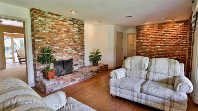 823 Glendenning Way, San Bernardino CA: http://media.crmls.org/medias/1de19f3c-7e4b-453f-999f-c4cc83ac7887.jpg