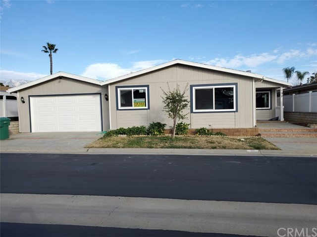 Detail Gallery Image 1 of 7 For 10961 Desert Lawn Dr #192, Calimesa, CA 92320 - 2 Beds   2 Baths