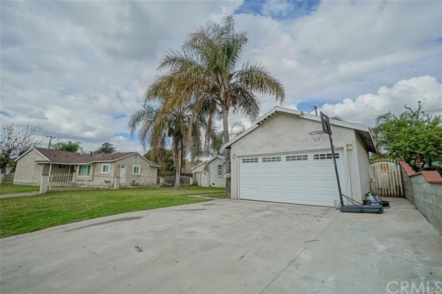 2263 W Orange Grove Avenue Pomona, CA 91768 - MLS #: DW18064731