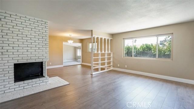 962 N Willow Avenue, Rialto CA: http://media.crmls.org/medias/1df75303-0695-4634-91d3-37a83db9c8c0.jpg