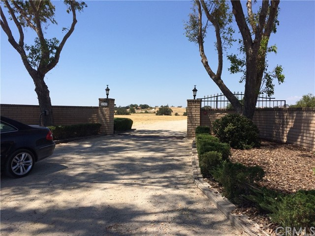 6342 Wellsona Road, Paso Robles, CA 93446