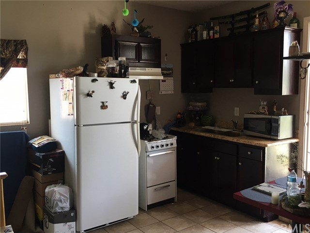 Single Family Home for Sale at 18445 Hawthorne Avenue Bloomington, California 92316 United States