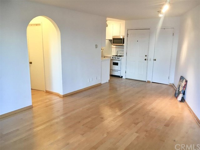 2025 4th Street 107A  Santa Monica CA 90405
