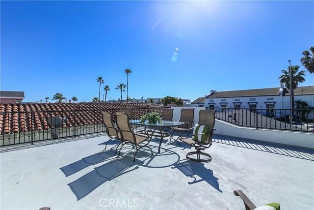 1320 W Balboa Boulevard, Newport Beach CA: http://media.crmls.org/medias/1e1a8aa5-6f5e-4fa8-a1ce-26098d455808.jpg
