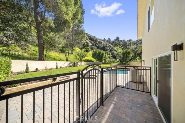 14811 Jadestone Drive, Sherman Oaks CA: http://media.crmls.org/medias/1e1b7f83-c606-4dce-9737-6ea74678458e.jpg