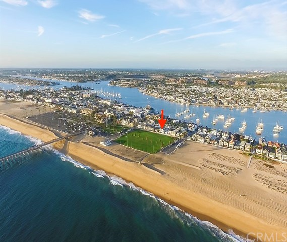 Single Family Home for Sale at 914 Oceanfront E Newport Beach, California 92661 United States