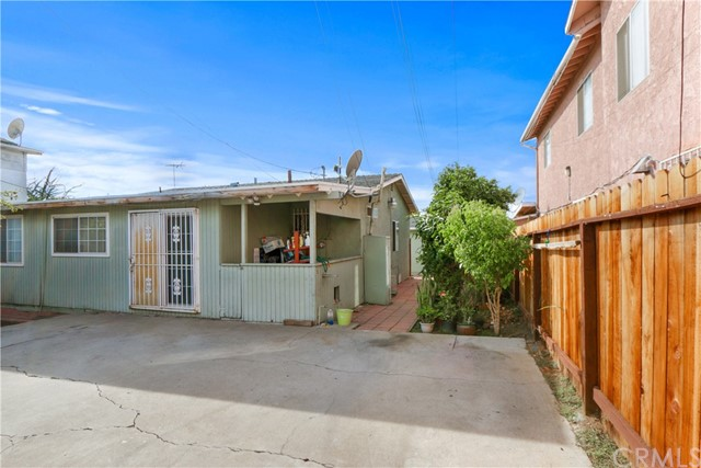 2310 Myrtle Avenue Long Beach, CA 90806 - MLS #: PW18268375